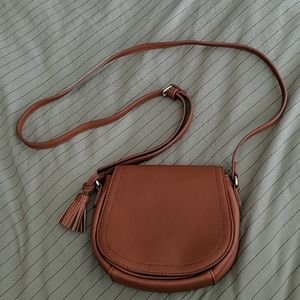 NWOT OLD NAVY - SMALL LEATHER CROSS-BODY BAG